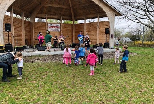 As musicians play, kids dance at EarthFest 2019.